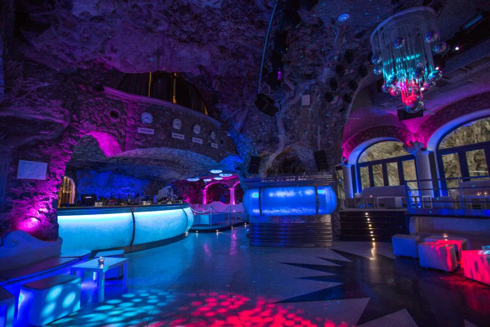 discoteca positano music on the rocks