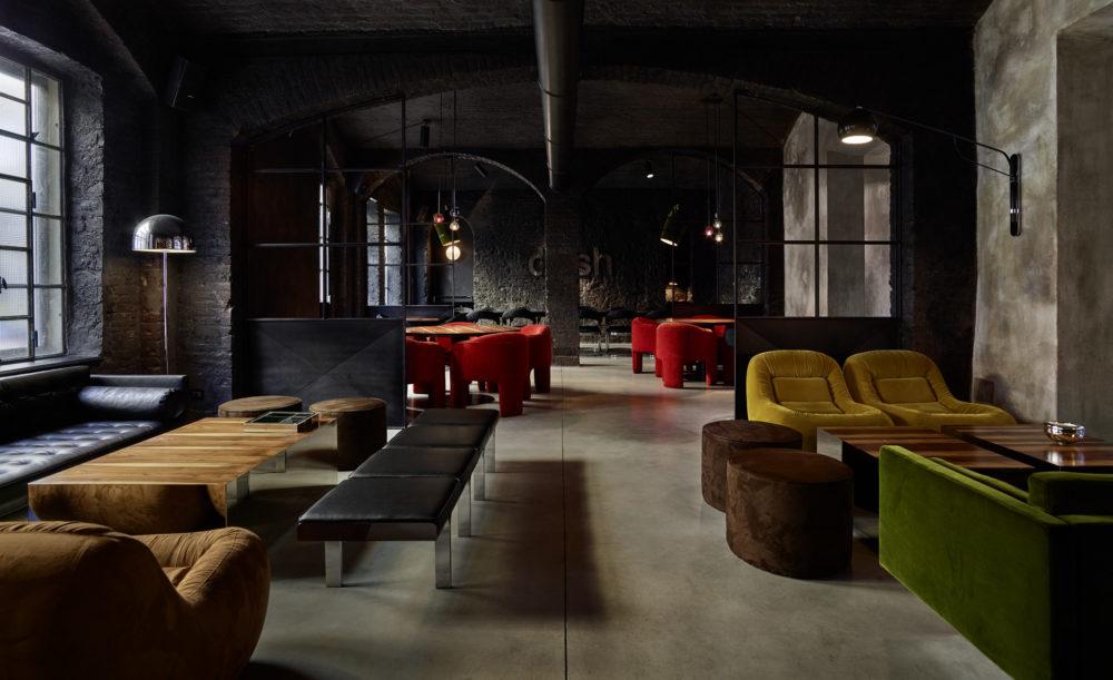 interno del dash kitchen torino in stile industriale
