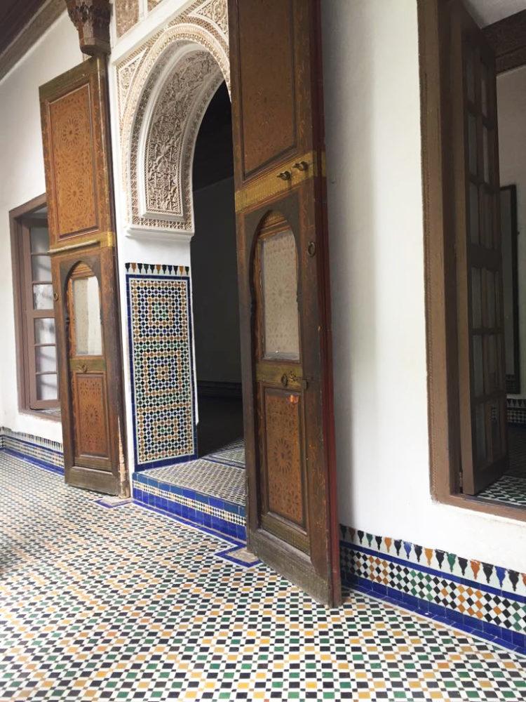 porte intarsiate del palazzo di bahia di marrakech