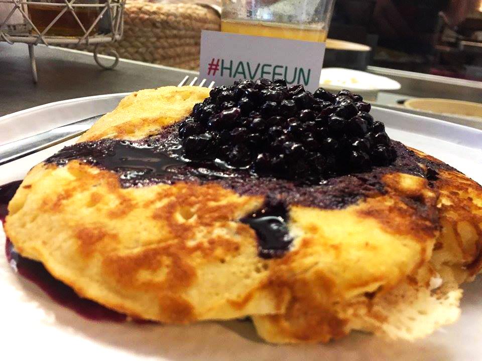 pancake con mascarpone e mirtilli