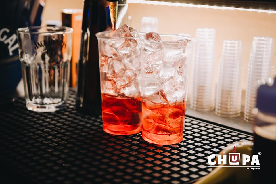 2 cocktail sul bancone