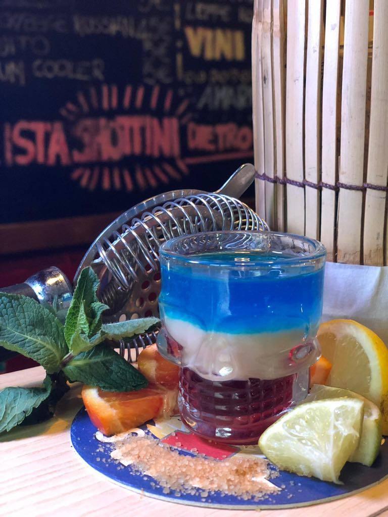 shottino colorato blu bianco e rosso