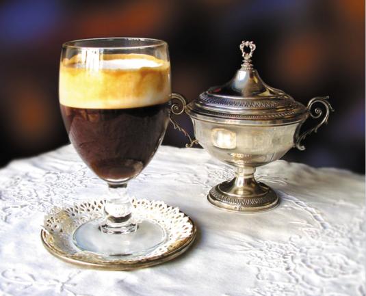 bicerin bevanda di torino a base di latte e cioccolata