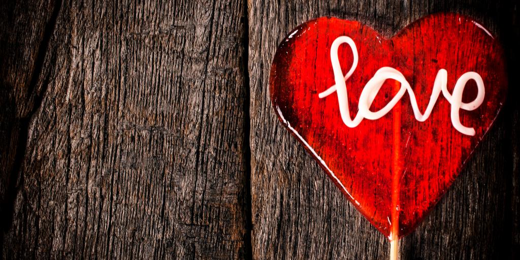 cuore con la scritta love