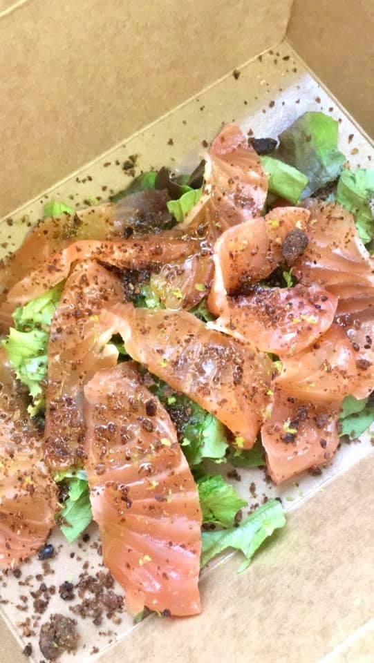 salmone con pepe nero
