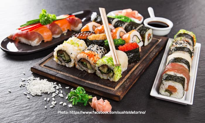 piatti di sushi dei pesce