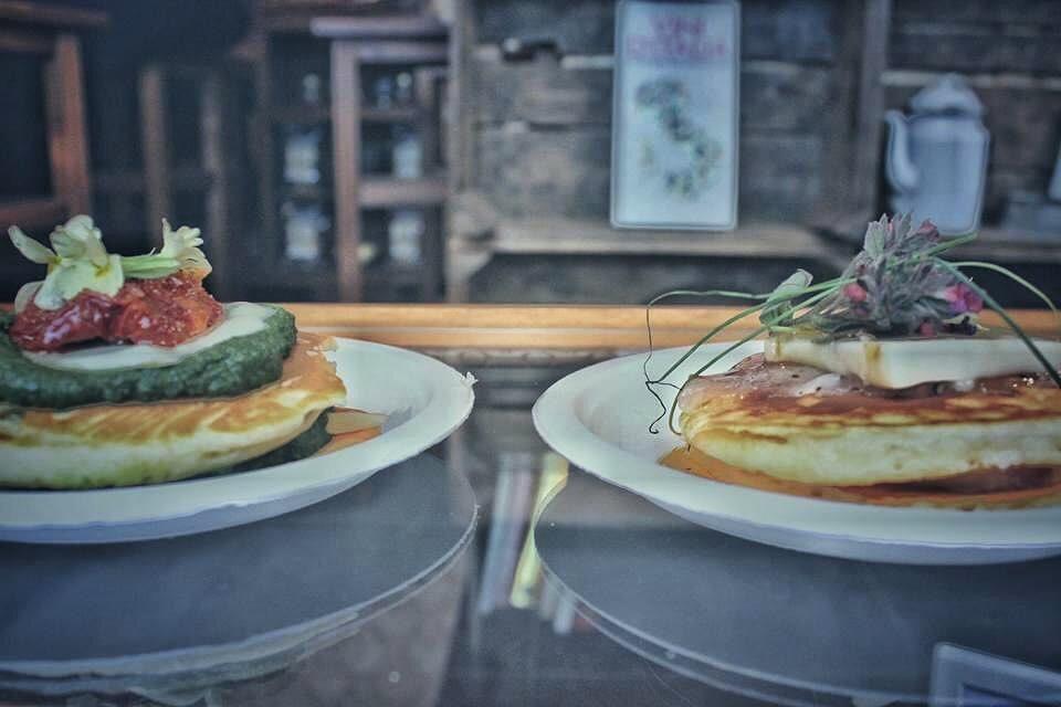 pancake con foramggio ed erbette
