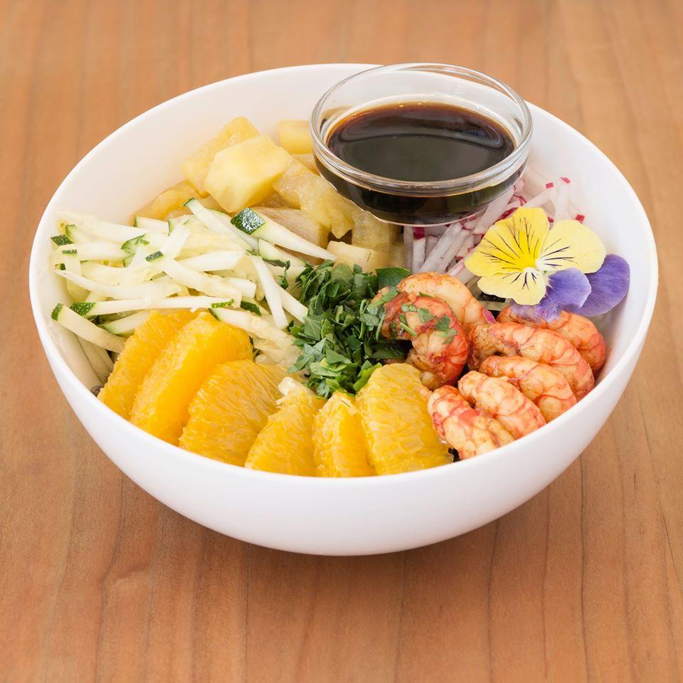 bowl con gamberi arancia e salsa di soia